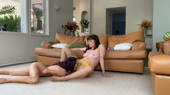 Sabina Rouge – Horny Step-Mom Hookup