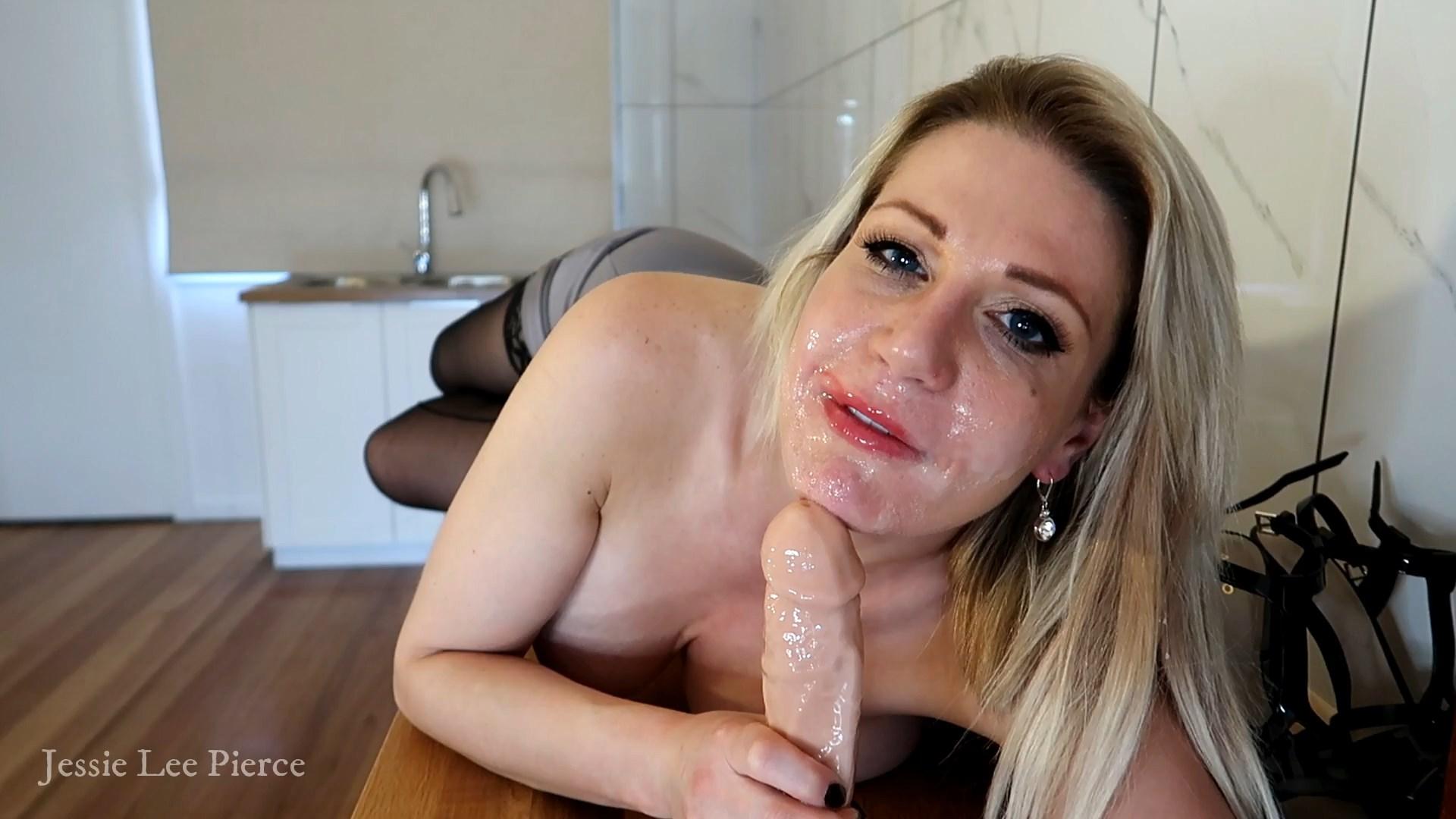 Jessie Lee Pierce - Gold Digger Stepmom 3 Double Cumshot