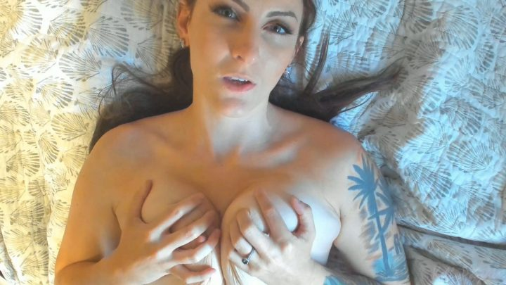 Kelly Payne - BunkedBed Trouble Makers get it From Mom