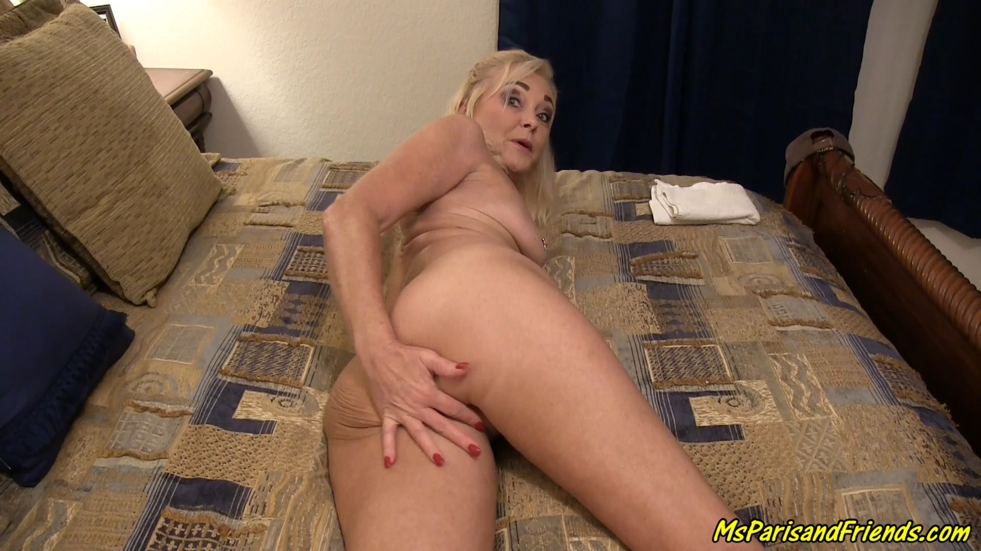 MsParisRose - Mommys Hot Ass Gets an Anal Creampie