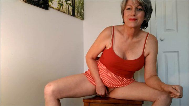 MoRina – You Catch Mom Webcamming