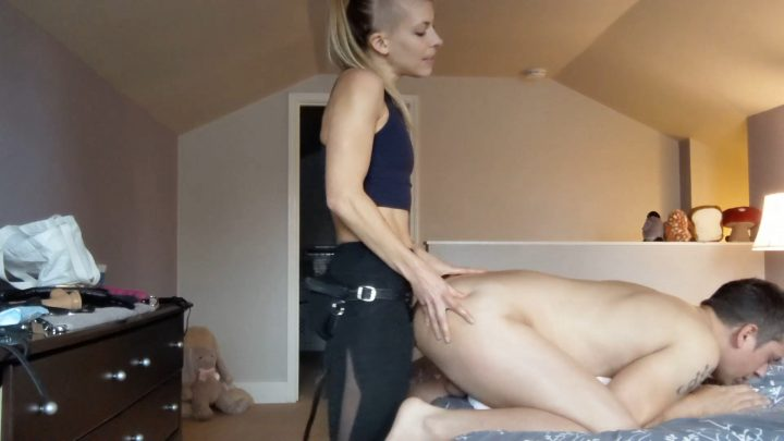 The3kins – Mommy Pegs Her Boy