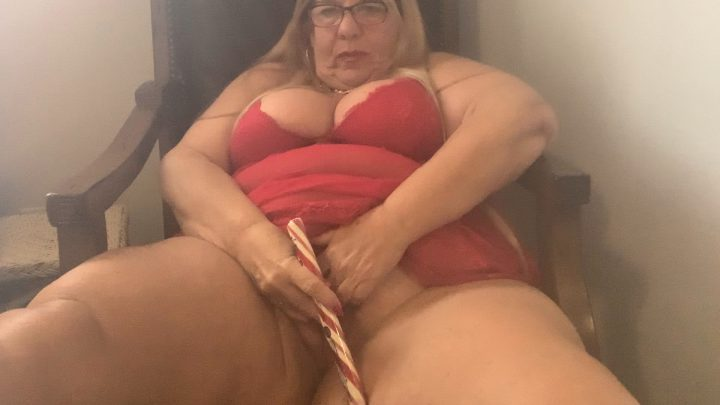 BBW Sweet Aimee Luv - Mommy Fucks Herself with a Candy Cane