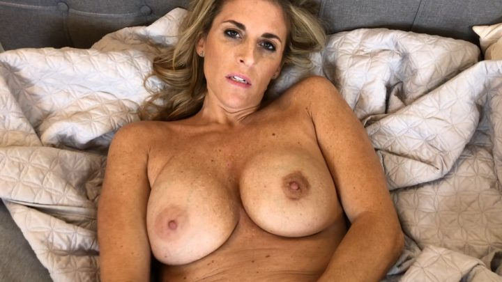 Rose Scott – Mom wants to be Impregnated