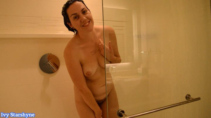 Ivy Starshyne - Mom In The Shower