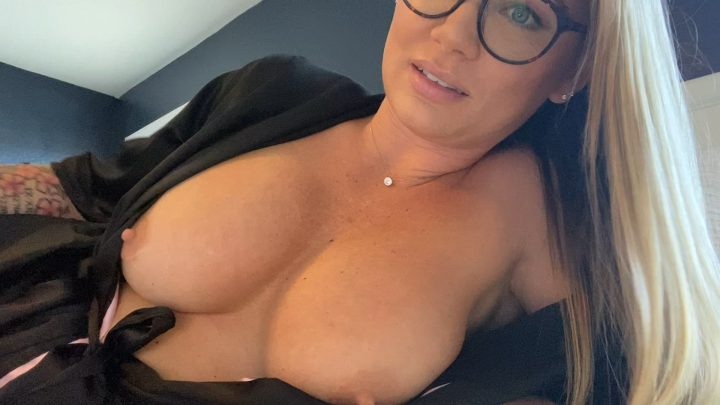 Lauran Vickers – Step Mommy's Breasts