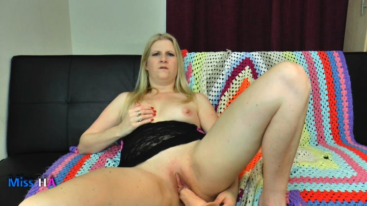 MissHornyAss - Mom Can be Your Girlfriend