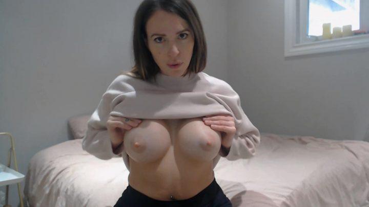 yogabella – Suck Mommy's Titties