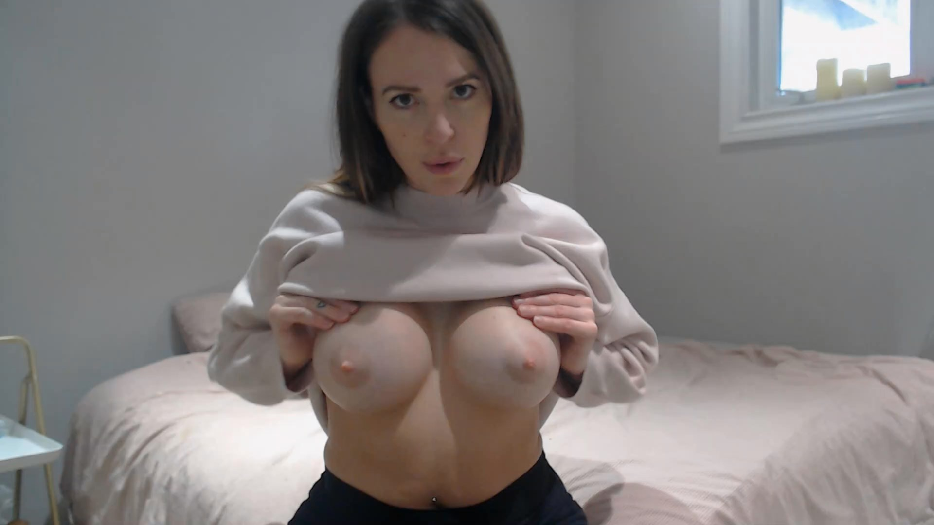 yogabella - Suck Mommy's Titties