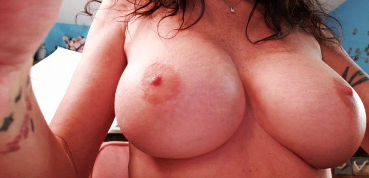 Naughty Tyi Lynn – Giantess Mommy