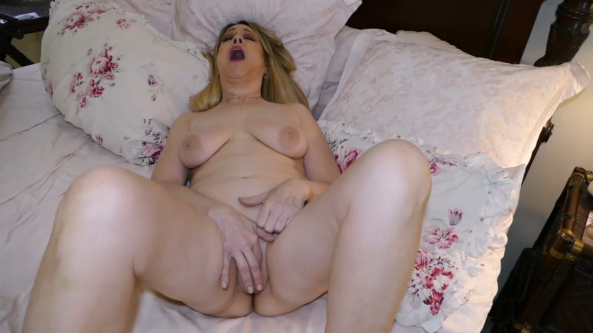 Nudist Hottie - Son Wakes Mommy, Massages All Her Body