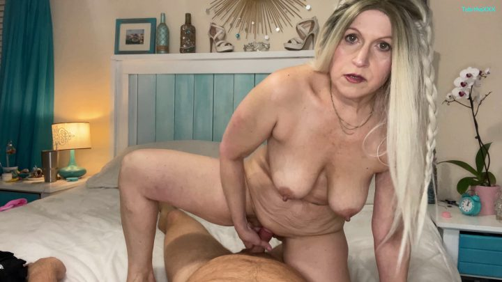 TabithaXXX - Lets Play Mommy Says