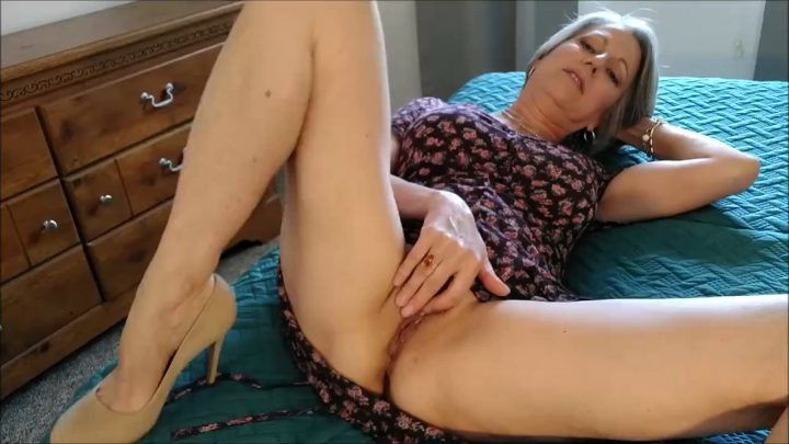 MoRina – First Date With Mom