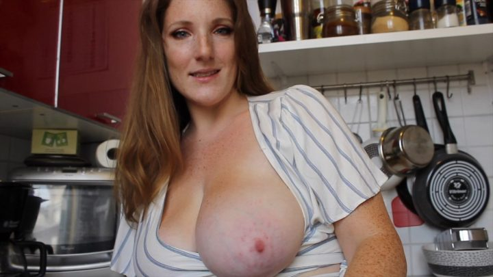 Little Redhead Lisa – Your Friends Hot Mom