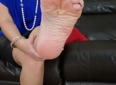 Myprettyfeet8 - Smell Your Step-Mom's Stinky Feet