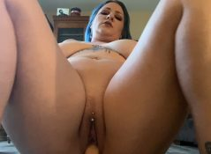 Scarlet Ellie - Creampie Mom After Catching Her Do Yoga