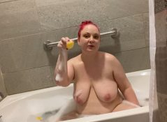 Kitty Milford - Bath Time with Stepmom