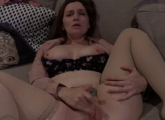 Bettie Bondage - Mom's Mutual Masturbation Confession 4