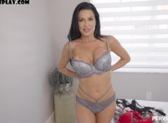 Perv Mom - Veronica Avluv - Stepmom Sucks Better